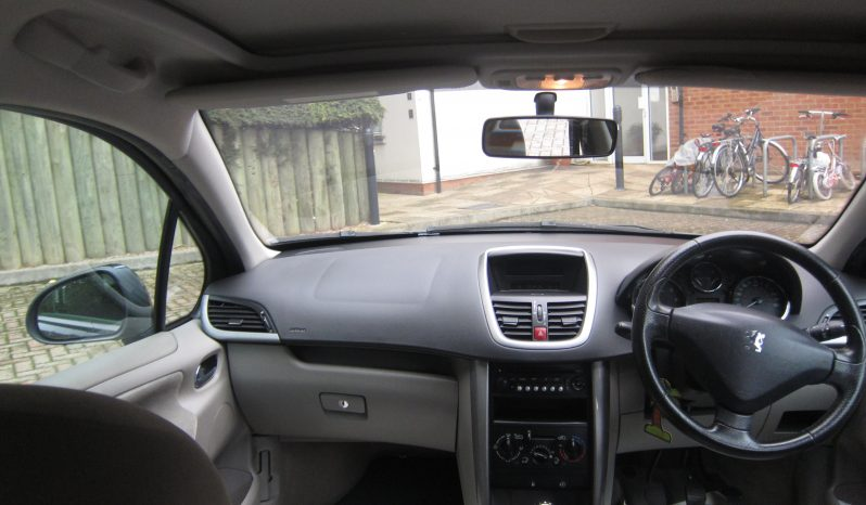 Peugeot 207 1.6 16v SE 5dr full