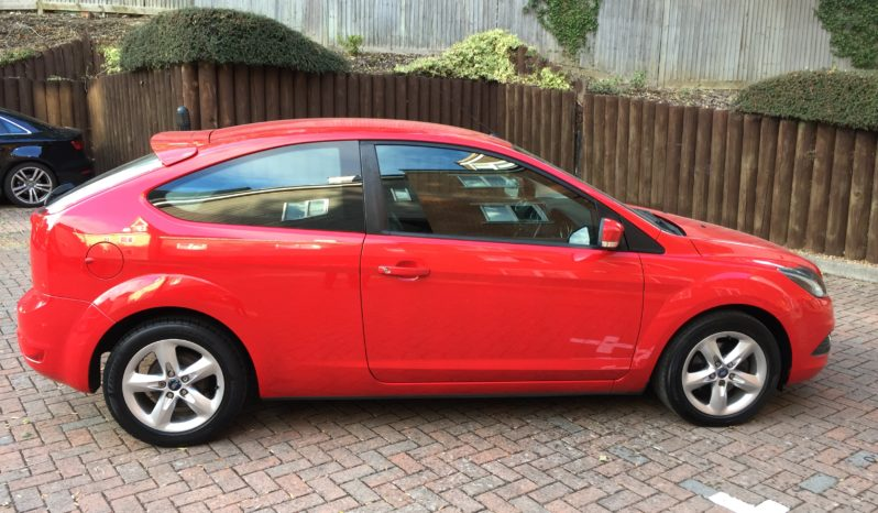 Ford Focus 1.6 TDCi DPF Zetec 3dr full